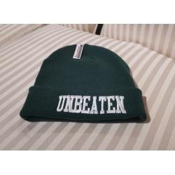 Czapka Unbeaten (zimowa ciemno zielona)
